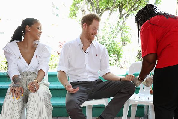 Three Quarter Length「Prince Harry Visits The Caribbean - Day 11」:写真・画像(10)[壁紙.com]