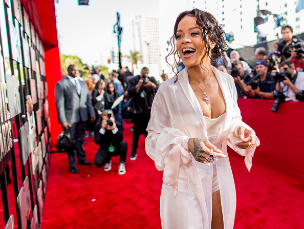 International Landmark「2014 MTV Movie Awards - Red Carpet」:写真・画像(8)[壁紙.com]