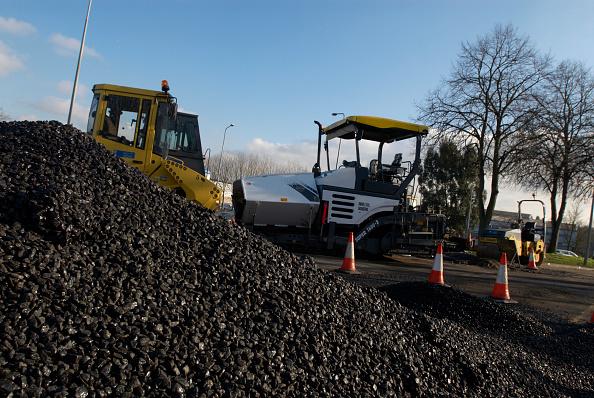 Heap「Pile of asphalt during roadworks」:写真・画像(16)[壁紙.com]