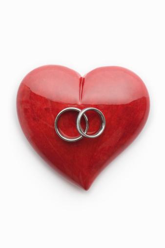 Alabaster「Wedding rings on heart」:スマホ壁紙(2)