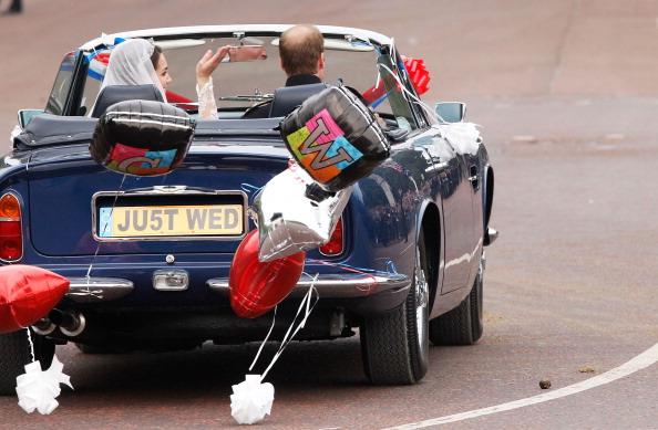 Royal Wedding of Prince William and Catherine Middleton「Newlywed Royals Leave Wedding Reception」:写真・画像(17)[壁紙.com]