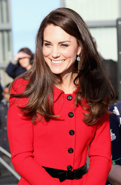 Red「The Duke & Duchess Of Cambridge Attend Place2BeBig Assembly With Heads Together For Children's Mental Health Week」:写真・画像(16)[壁紙.com]