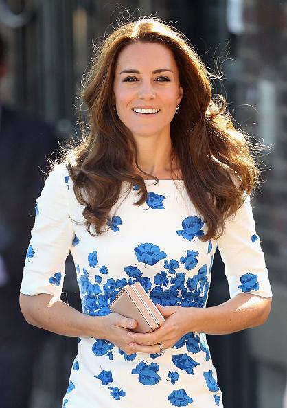 カメラ目線「The Duke And Duchess Of Cambridge Visit Luton」:写真・画像(19)[壁紙.com]