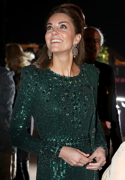 Sequin Dress「The Duke And Duchess Of Cambridge Visit Islamabad - Day Two」:写真・画像(1)[壁紙.com]