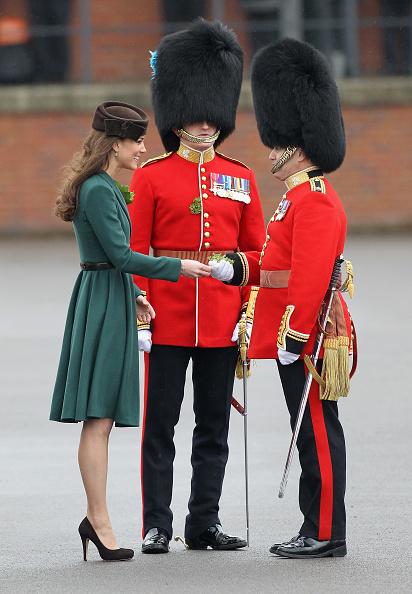 Belt「The Duchess Of Cambridge Visits The Irish Guards On Their St Patrick's Day Parade」:写真・画像(19)[壁紙.com]