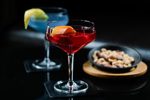 Bar Counter「Cocktail at Bar with Nuts」:スマホ壁紙(16)