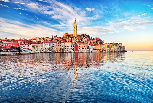 Adriatic Sea「Morning view of old town Rovinj, Croatia」:スマホ壁紙(4)