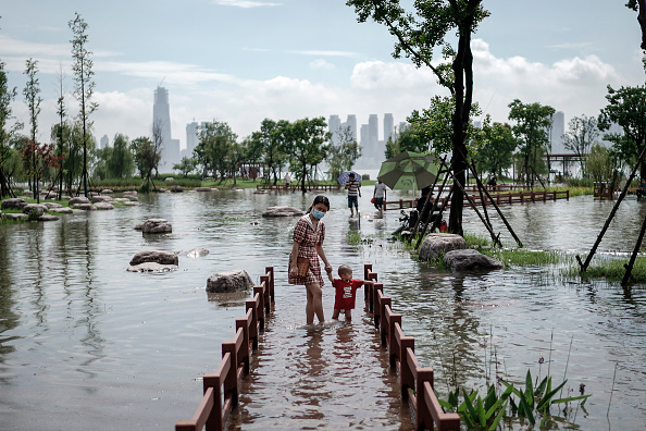 Natural Disaster「China's Wuhan Upgrades Flooding Response Level Due To Torrential Rain」:写真・画像(8)[壁紙.com]