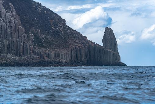 Escarpment「Cape Hauy, Eaglehawk Neck coastal cliff view on Tasman National Park conservation area, Port Arthur, Tasmania」:スマホ壁紙(9)