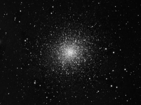 Star - Space「M13, Great global cluster in Hercules (B&W)」:スマホ壁紙(19)