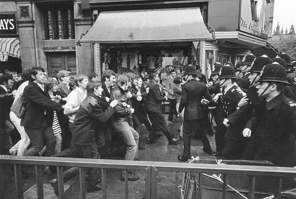 William Lovelace「Immigration Demo」:写真・画像(15)[壁紙.com]