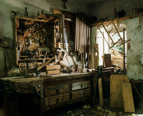 Carpentry「Antique carpenter workshop」:スマホ壁紙(18)