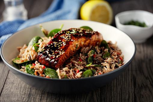 Seafood「Healthy wild rice salad with grilled teriyaki  salmon fillet」:スマホ壁紙(9)