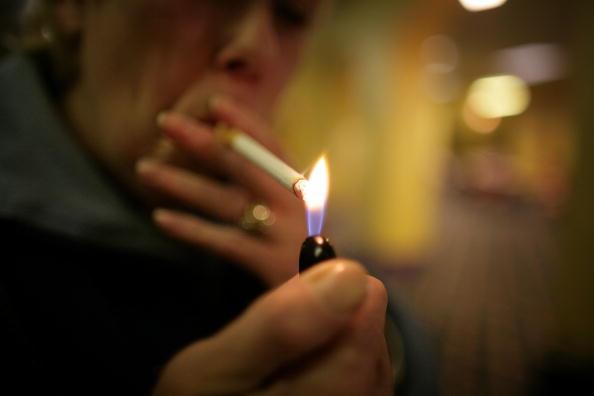 Cigarette「British Bingo Clubs Set For Smoking Ban」:写真・画像(15)[壁紙.com]