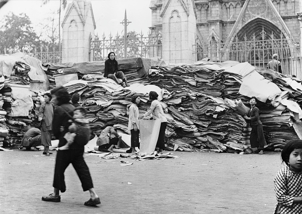Religious Mass「Paper Recycling Drive」:写真・画像(16)[壁紙.com]