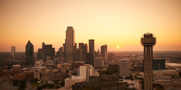 Texas「USA, Texas, Aerial photograph of the Dallas skyline at sunrise」:スマホ壁紙(14)