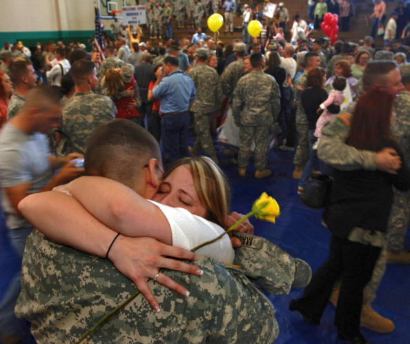 Fort Stewart「Soldiers Return To Fort Stewart After Tour Of Duty In Iraq」:写真・画像(15)[壁紙.com]