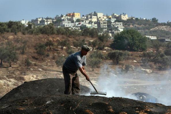 Heap「Humanitarian Aid Groups Tackle Palestinian Water Crisis」:写真・画像(3)[壁紙.com]