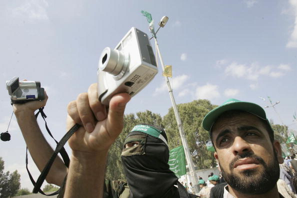 Photography Themes「Hamas Holds A Celebration Rally For The Israeli Withdrawal From Gaza」:写真・画像(11)[壁紙.com]