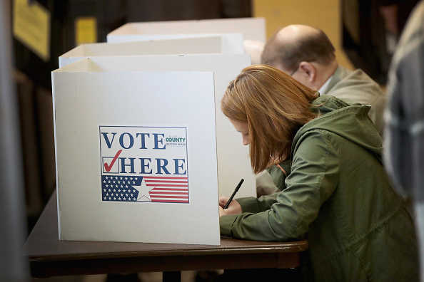 Election「Voters Across The Country Head To The Polls For The Midterm Elections」:写真・画像(7)[壁紙.com]