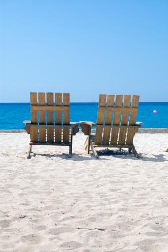 Adirondack Chair「Two Empty Beach Chairs Caribbean White Sand Copy Space」:スマホ壁紙(7)
