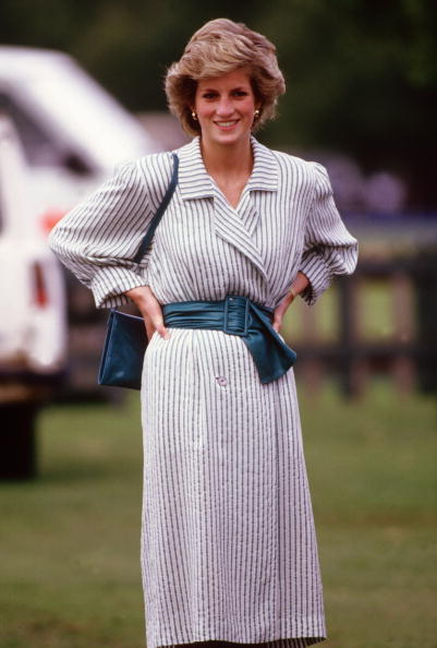 Purse「Diana Princess of Wales watches Prince Charles playing polo」:写真・画像(1)[壁紙.com]