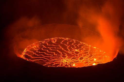 Volcano「View into the heart of earth, Nyiragongo volcano, Congo」:スマホ壁紙(3)
