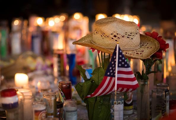 Las Vegas「Las Vegas Mourns After Largest Mass Shooting In U.S. History」:写真・画像(17)[壁紙.com]