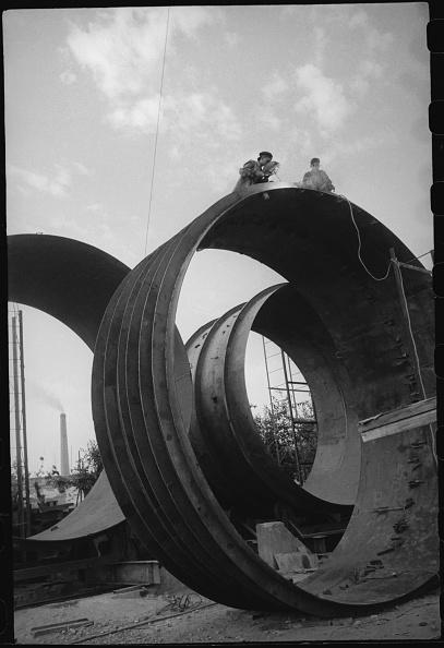 Max Penson「Welders」:写真・画像(1)[壁紙.com]