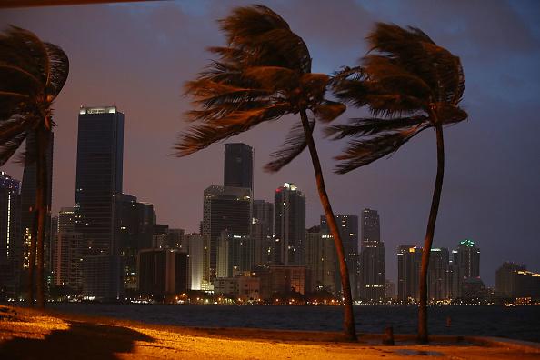Miami「Massive Hurricane Irma Bears Down On Florida」:写真・画像(6)[壁紙.com]