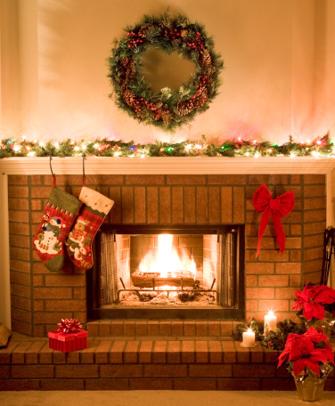 Log「warm, cheery, Christmas fireplace」:スマホ壁紙(19)