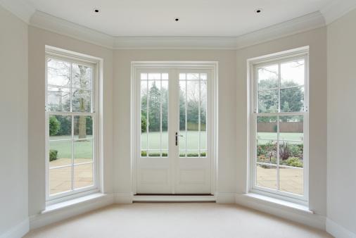 Handle「white bay windows and French doors」:スマホ壁紙(11)