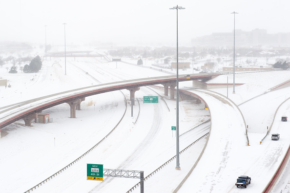 "Snow「""Historic"" Blizzard Sweeps Through Texas Panhandle」:写真・画像(2)[壁紙.com]"