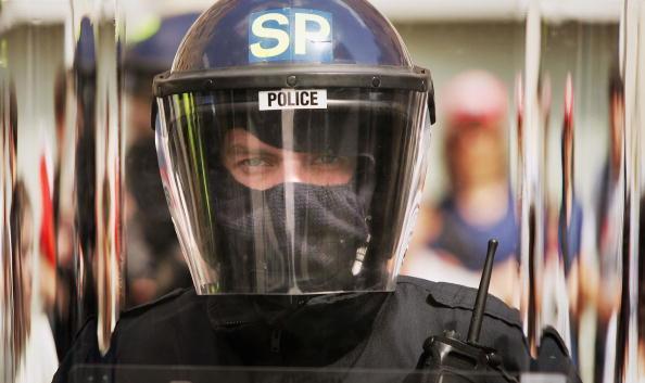 Riot Police「Make Poverty History March In Edinburgh」:写真・画像(4)[壁紙.com]