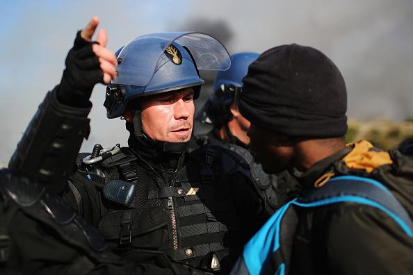 Calais「Migrants Leave The Jungle Refugee Camp In Calais」:写真・画像(13)[壁紙.com]