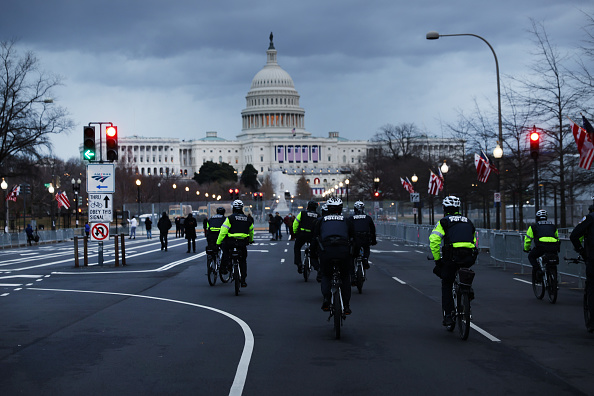 Security「Protests Expected In Washington DC Ahead Of Biden Inauguration」:写真・画像(17)[壁紙.com]