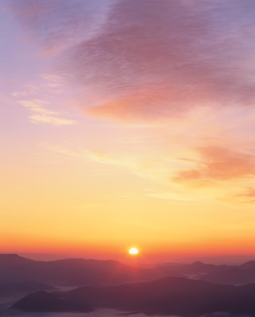 Hokkaido「The Sun Rising Over Mt. Oakan. Hokkaido, Japan」:スマホ壁紙(9)
