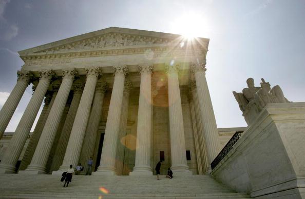 US Supreme Court Building「Supreme Court Releases Opinion On Ten Commandments Display Case」:写真・画像(9)[壁紙.com]