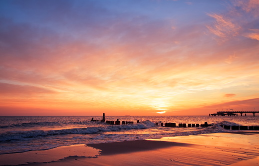Sea「The sun rising at the beach in the morning」:スマホ壁紙(8)