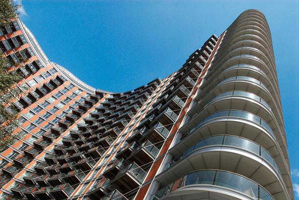 Modern「Modern riverside apartments, East India, East London, UK」:写真・画像(9)[壁紙.com]