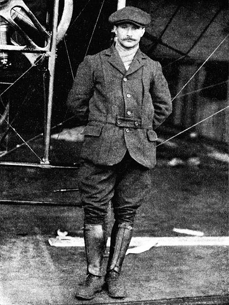 Animal Head「Henri Salmet, the great Bleriot pilot, at Hendon, London, 1912 (1933).  Artist」:写真・画像(10)[壁紙.com]