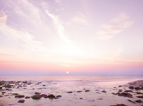 Tranquility「Sunset over sea on rocky beach」:スマホ壁紙(15)
