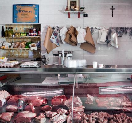 Butcher's Shop「display of a small classical butcher shop 」:スマホ壁紙(7)