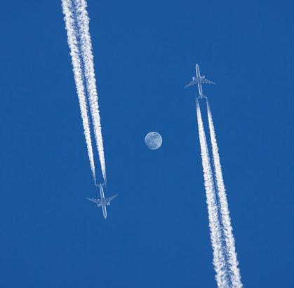 Approaching「Two jet planes.」:スマホ壁紙(13)