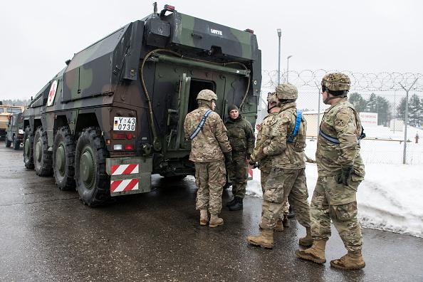 Jens-Ulrich Koch「Bundeswehr Ships Military Equipment To Lithuania」:写真・画像(12)[壁紙.com]