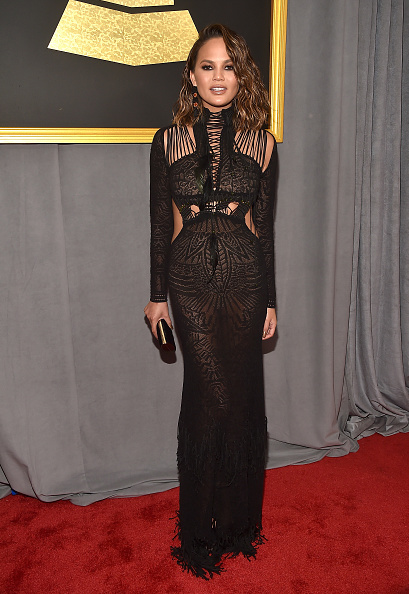 Lace Dress「The 59th GRAMMY Awards - Red Carpet」:写真・画像(16)[壁紙.com]