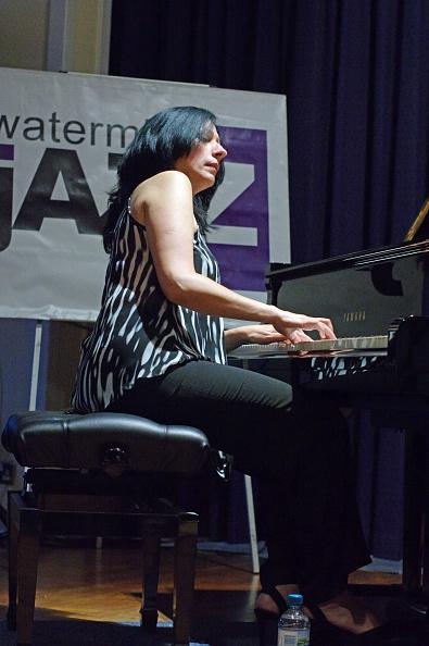 Profile View「Amina Figarova, Watermill Jazz Club, Dorking, Surrey, 2015」:写真・画像(1)[壁紙.com]