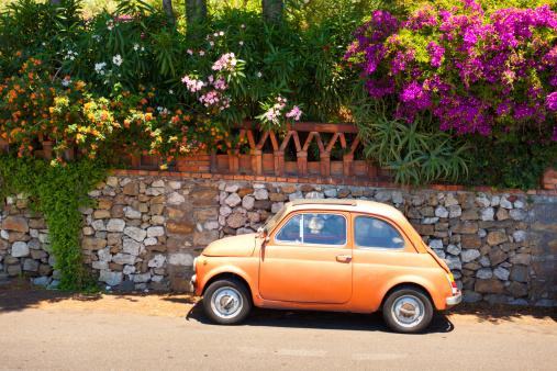 Hairpin Curve「morning of Taormina and lovely tiny italian car」:スマホ壁紙(11)
