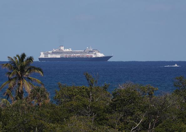 Netherlands「Zaandam And Rotterdam Cruise Ships Carrying Coronavirus Patients Dock In Florida」:写真・画像(8)[壁紙.com]