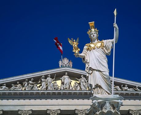 God「Pallas Athena Statue in front of the Austrian Parliament」:スマホ壁紙(9)